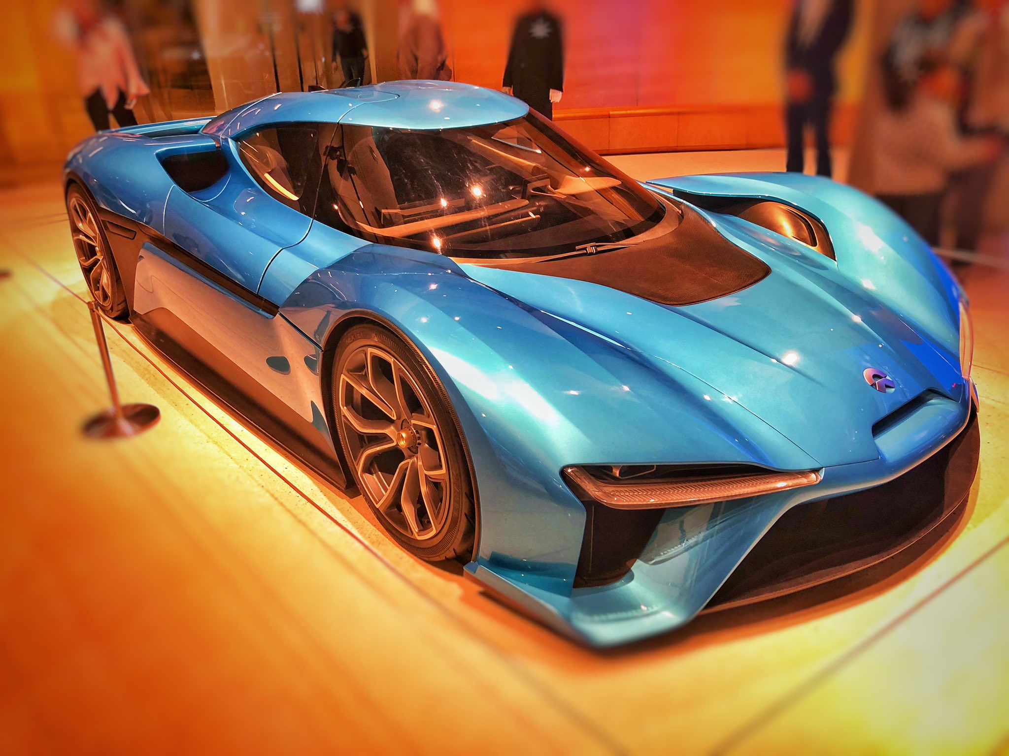 nio-ep9-the-words-fastest-electric-car-%f0%9f%94%a5%f0%9f%94%a5-shanghai-https-t-co-tihfd6e6xt